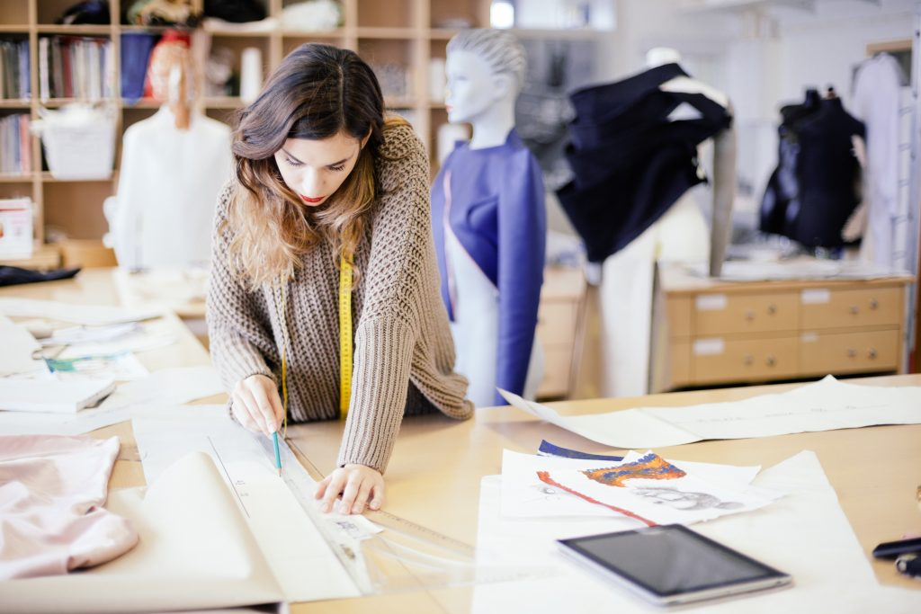 design profession salaries for fashion designers